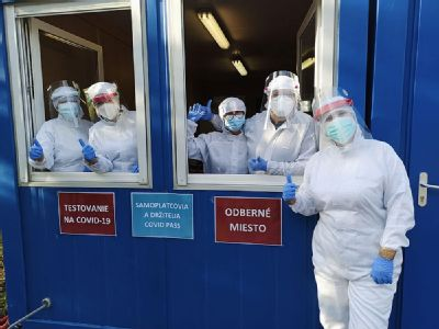 Mobilné odberové miesto Nemocnice AGEL Košice-Šaca rozširuje svoje otváracie hodiny. Otestovať sa je možné aj počas víkendu