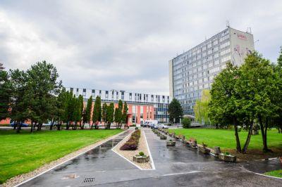 Aktuálna situácia v Nemocnici AGEL Košice-Šaca: Zákaz návštev, vstup len s respirátorom a poučenie pre pacientov