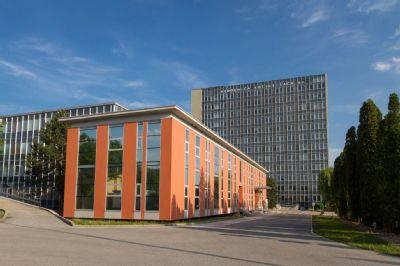 V Nemocnici AGEL Košice-Šaca sa starajú o pacienta na umelej pľúcnej ventilácii, zákaz návštev platí aj naďalej